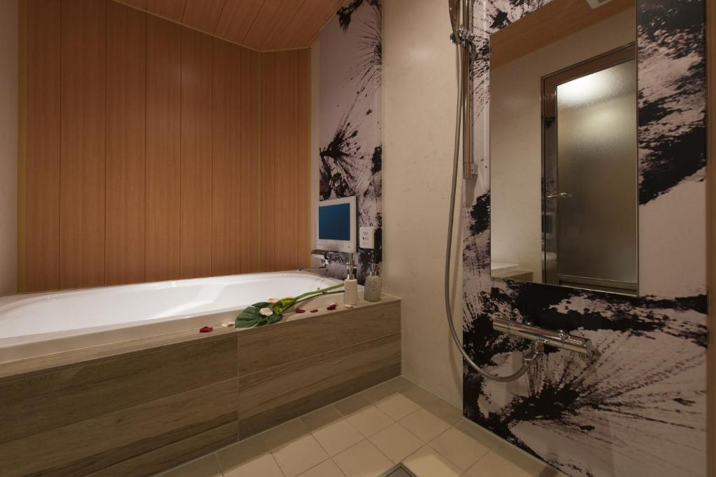Hotel Zen (Adult Only), Osaka – Updated 2018 Prices on japanese minimalist bathroom, japanese red bathroom, japanese themed bathroom, japanese garden bathroom, japanese bathroom sink, japanese home bathroom, japanese modern bathroom, japanese stone bathroom, japanese design bathroom, japanese spa bathroom, japanese wood bathroom,