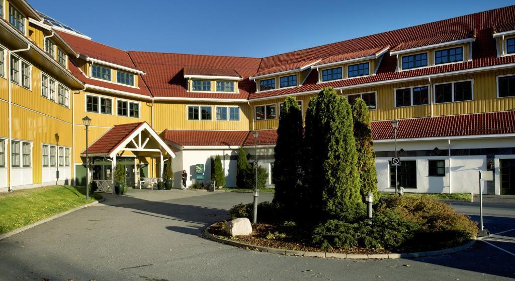 Bygningen som ferieanlegget ligger i