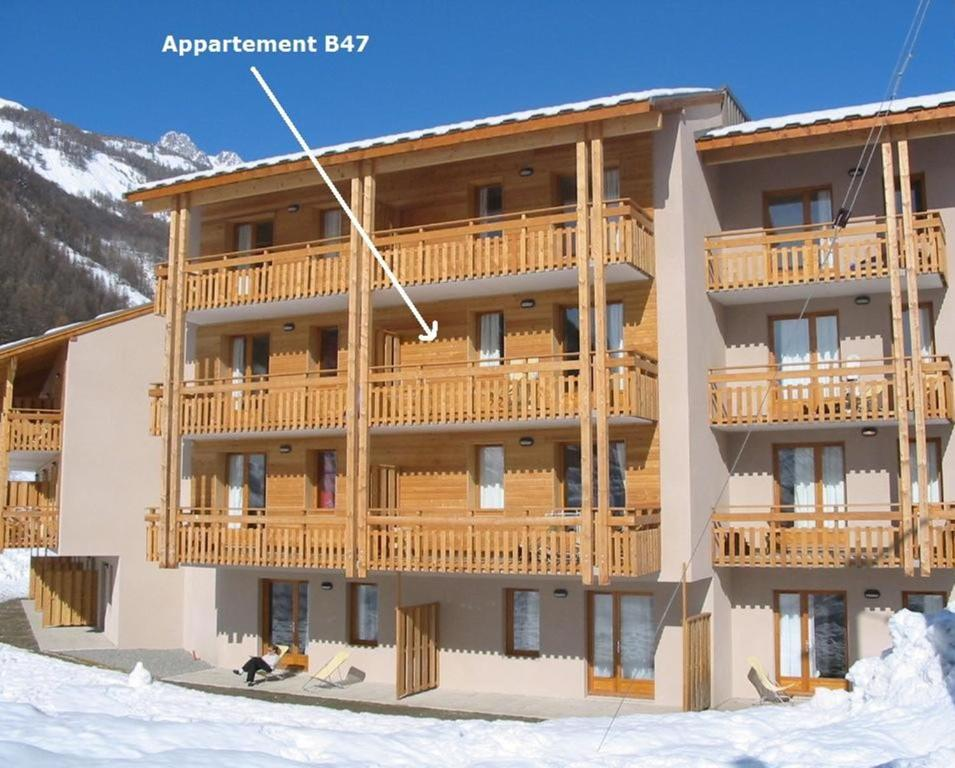 Apartment pays des ecrins alpes du sud pelvoux france for Appart hotel france sud