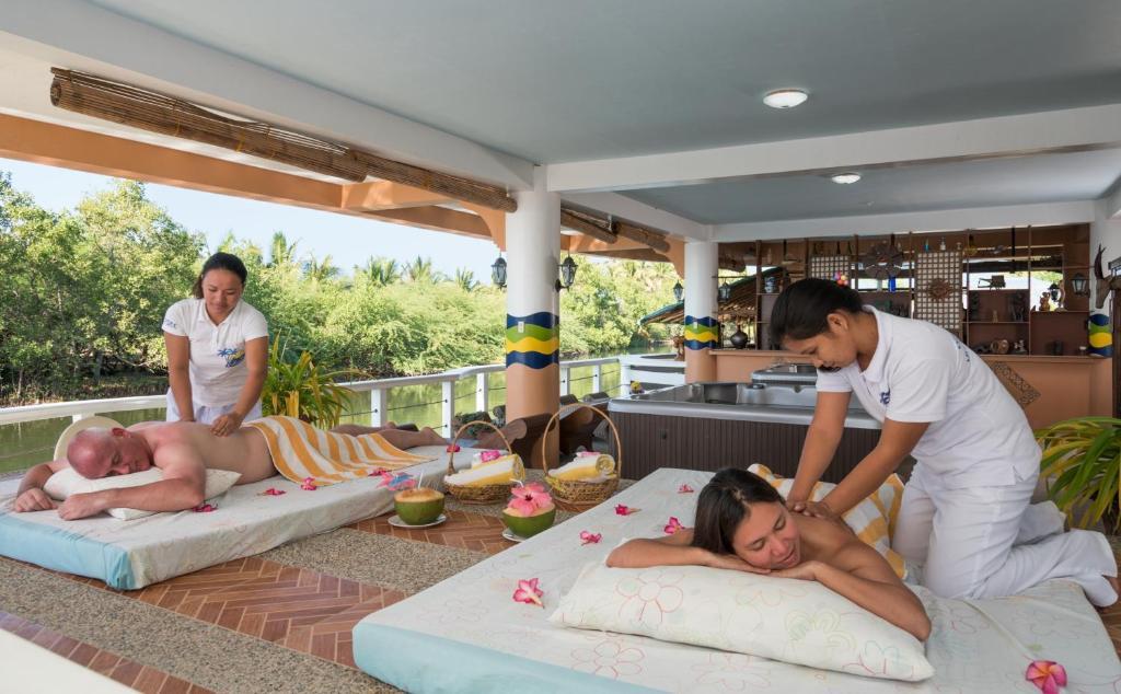 Punta Riviera Resort