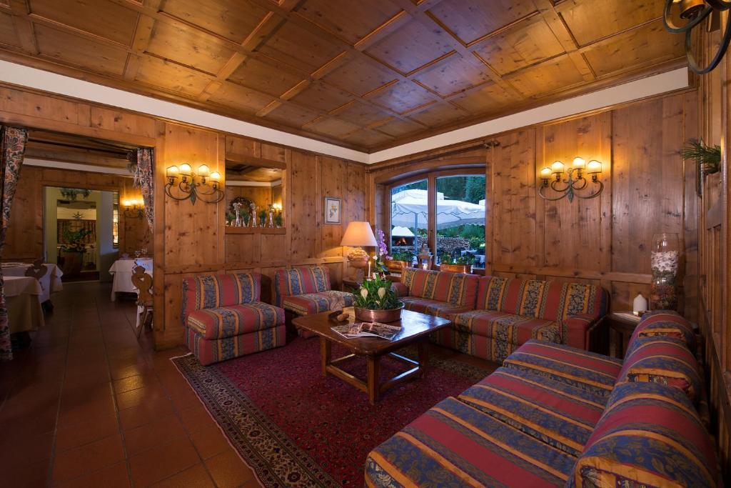 Boutique Hotel Villa Blu Cortina, Cortina d'Ampezzo – Prezzi ...