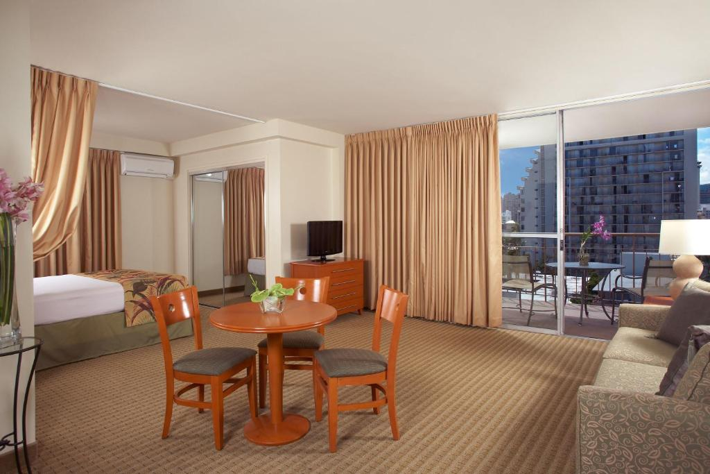 Pearl Hotel Waikiki Honolulu Updated 40 Prices New Hotels 2 Bedroom Suites Model Interior