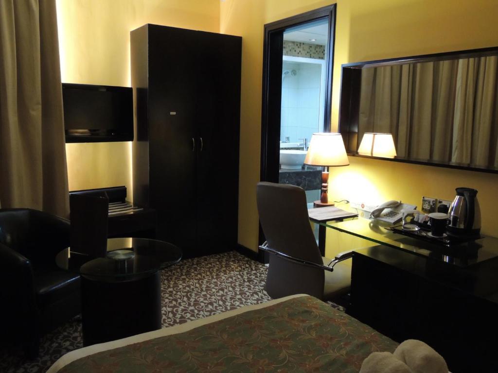Dorus Hotel (ex Montreal Hotel)