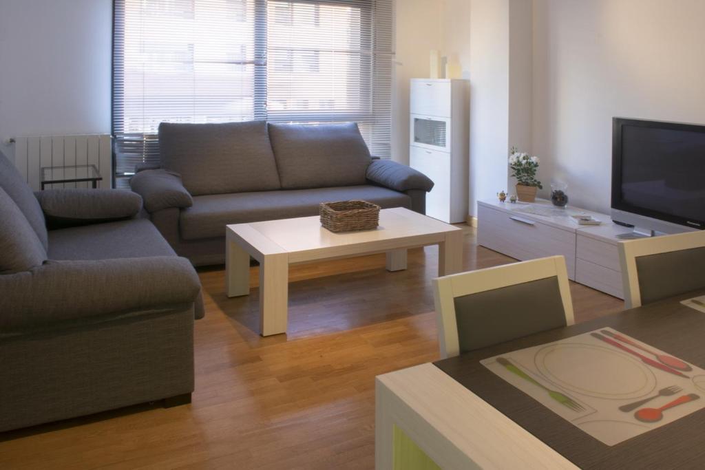 Apartamentos en pamplona espa a pamplona - Apartamento en pamplona ...