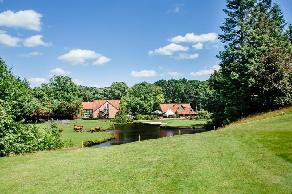 A garden outside Golfpark Gut Düneburg