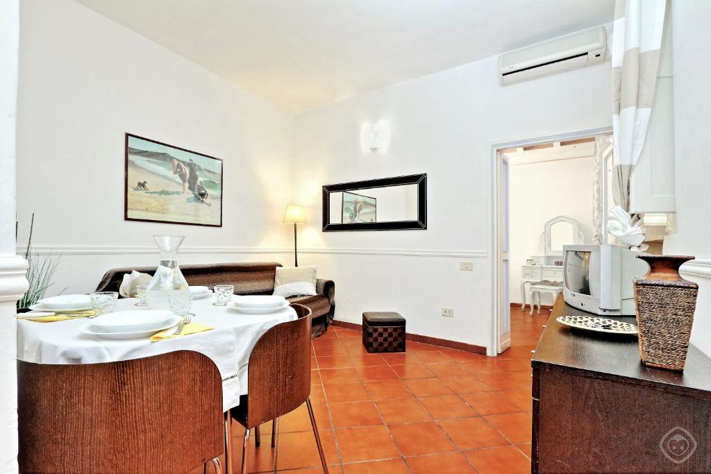 navona courtyard apartment rome italy booking com rh booking com
