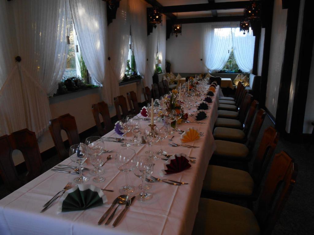 A restaurant or other place to eat at Haus Von Der Heyde