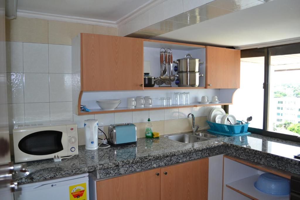 Paintsiwa wangara apartments accra ghana for Apartment plans in ghana