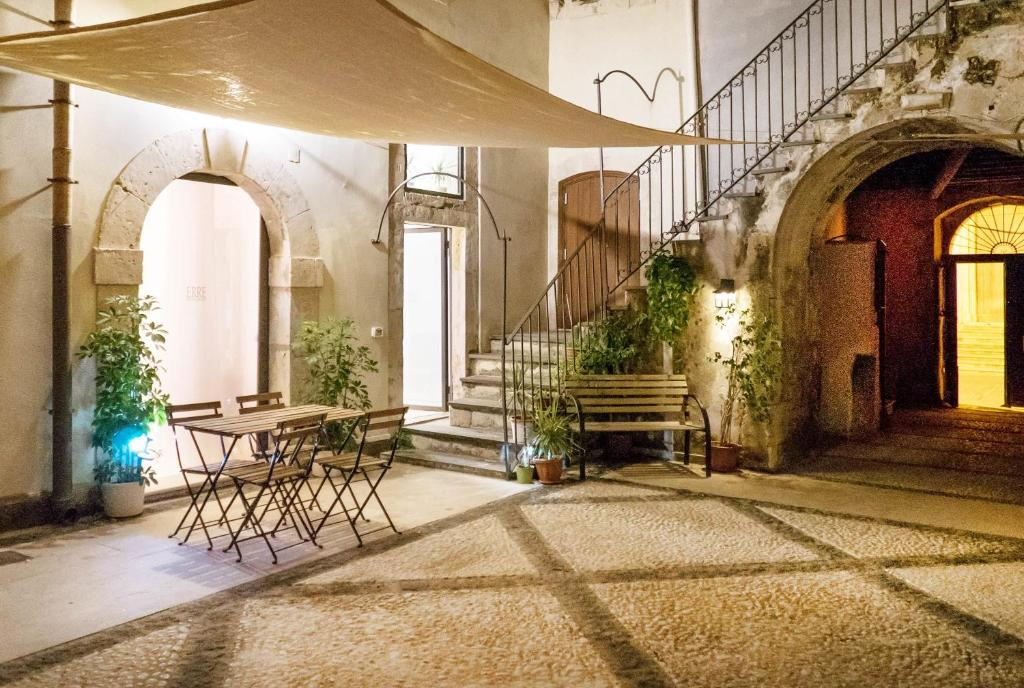 Buy an apartment house in Syracuse Italy