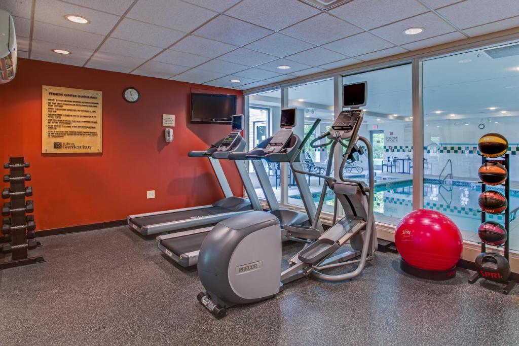 gallery image of this property - Hilton Garden Inn Cleveland Airport