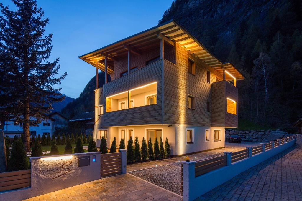 Chalet s campo tures prezzi aggiornati per il 2018 for Disegni di chalet svizzeri