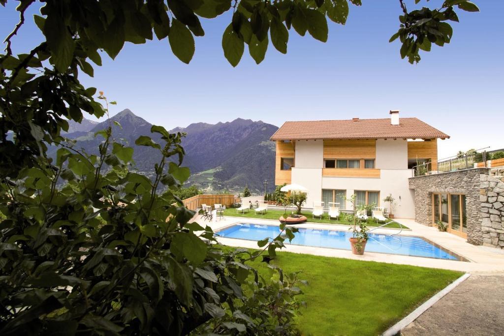 Ferienwohnung torgglerhof italien schenna for Gartenpool angebote