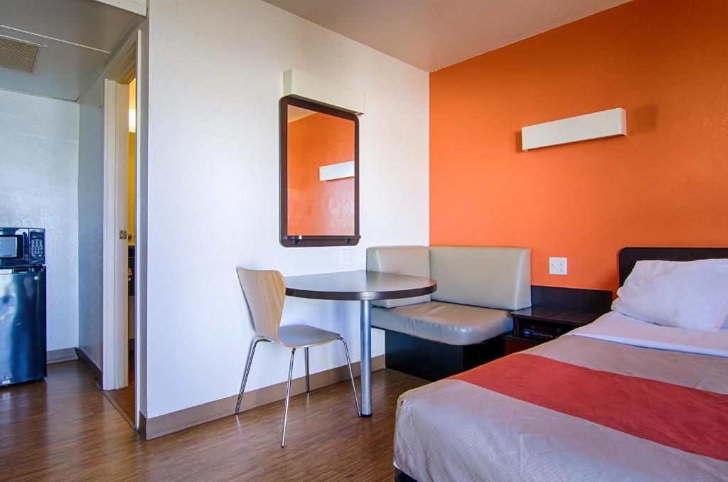 Bedroom Furniture Joplin Mo motel 6 joplin, mo - booking
