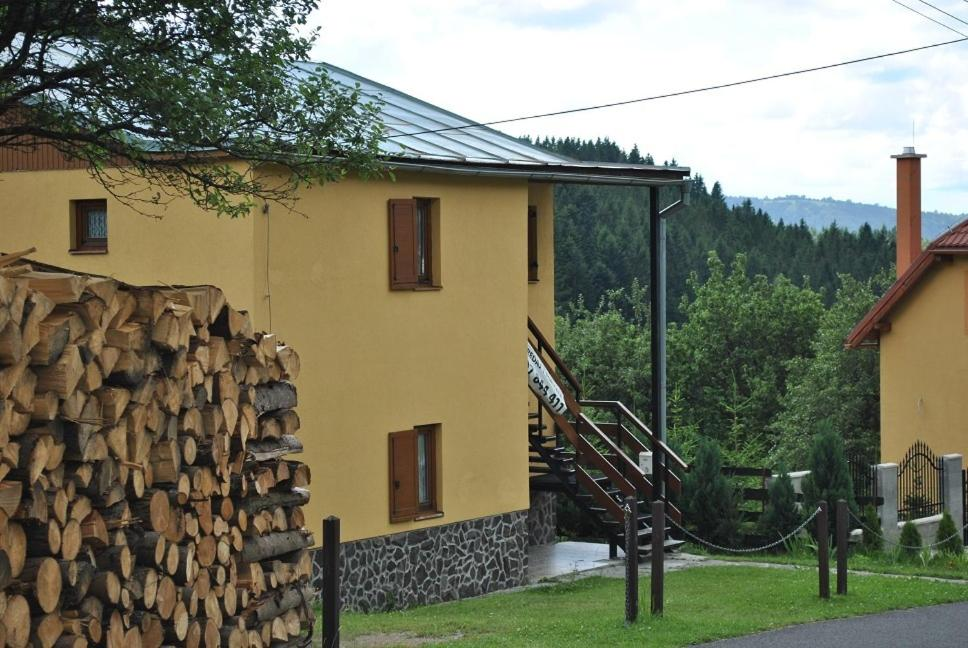 Budova, v ktorej sa dovolenkový dom nachádza