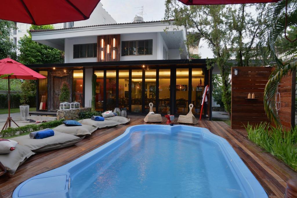 The swimming pool at or near Villa 88 Nimman-Chiang Mai