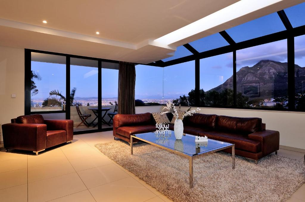 Apartment 129 On Kloof Nek Aparts Cape Town South Africa