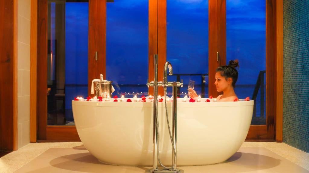 Спа и оздоровительный центр Vakarufalhi Island Resort