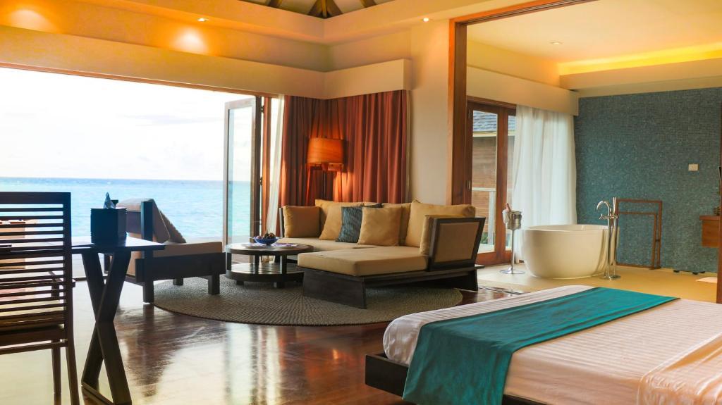 Великолепное расположение — показать на карте Vakarufalhi Island Resort