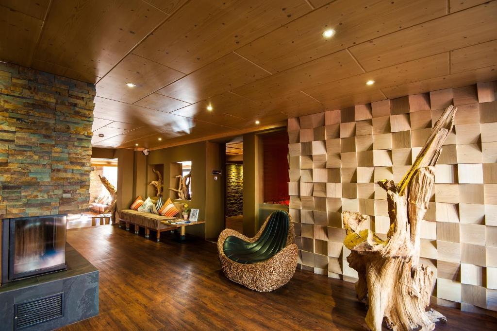 Living Max Hotel, Zell am See, Austria - Booking.com