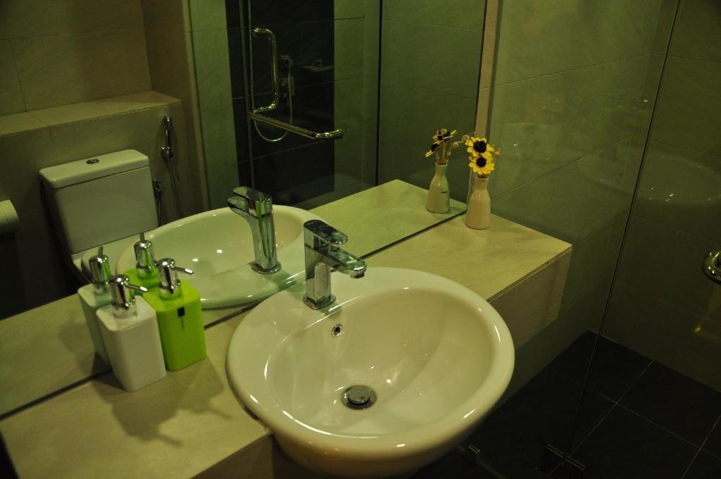 Bathroom Accessories Kota Kinabalu sabah holiday homes @ imago, kota kinabalu, malaysia - booking