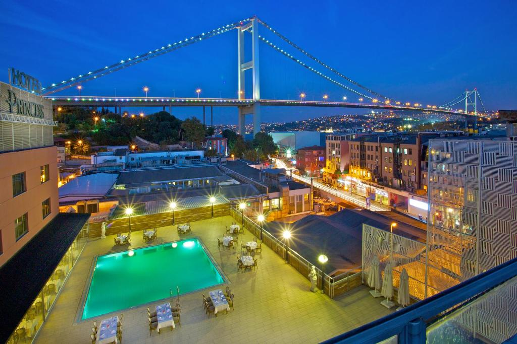 A view of the pool at Ortakoy Princess Hotel or nearby