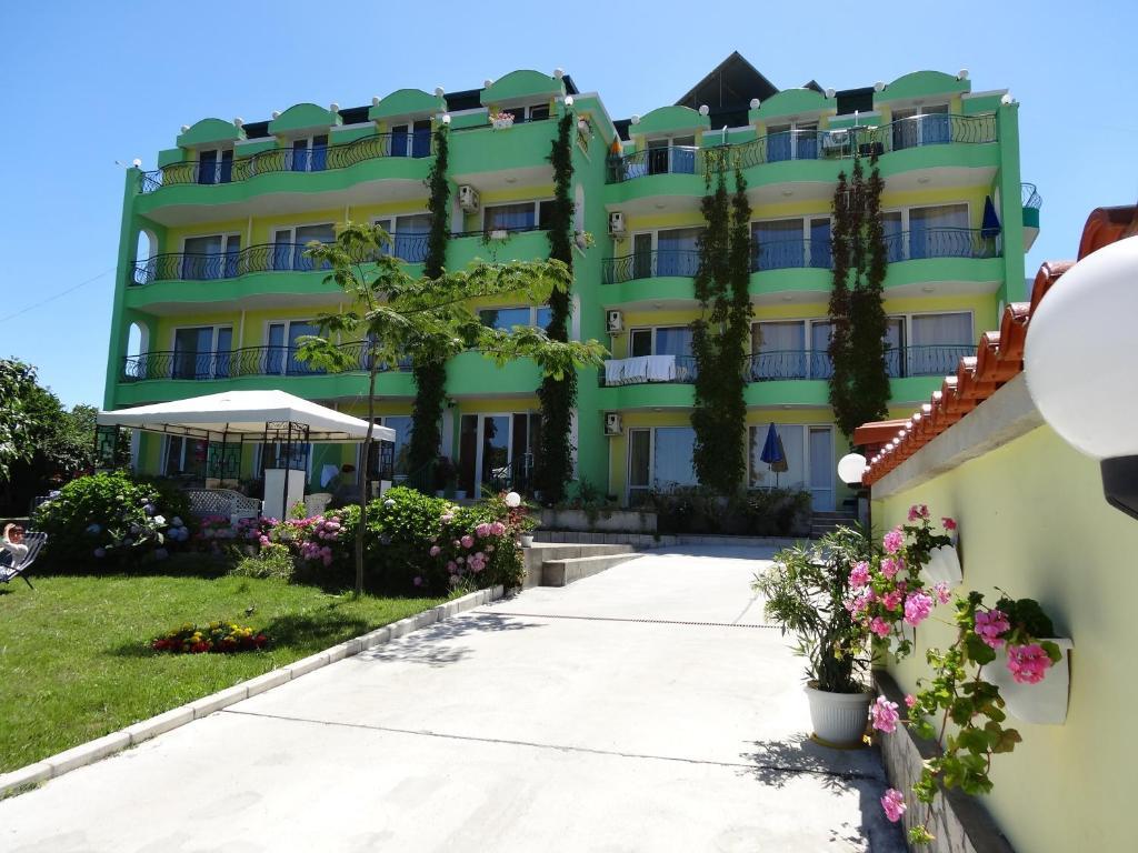 Къща за гости Камелия - Ахтопол