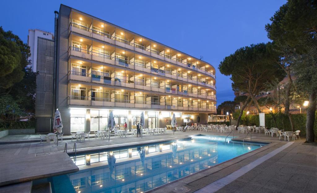 Medplaya hotel monterrey espagne castell platja d 39 aro for Reservation hotel en espagne gratuit