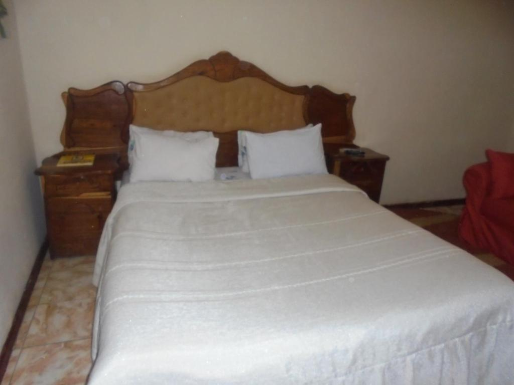 Ze Guest House, Lusaka, Zambia - Booking.com on