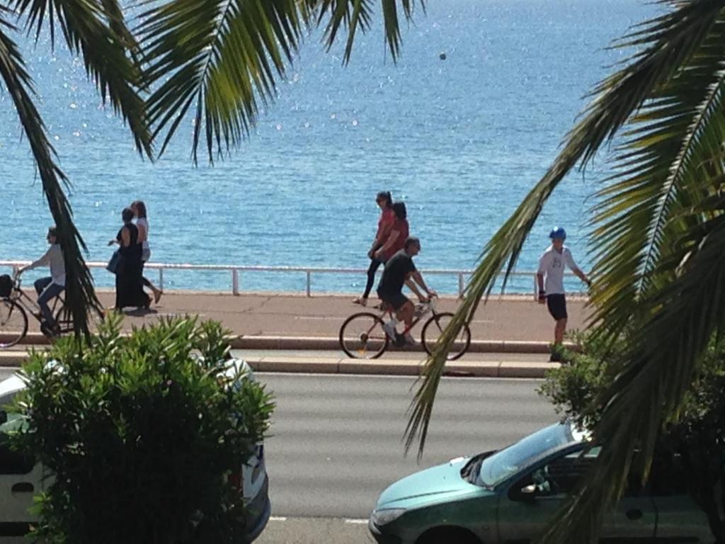 Andar de bicicleta em Residence Le Copacabana ou nos arredores