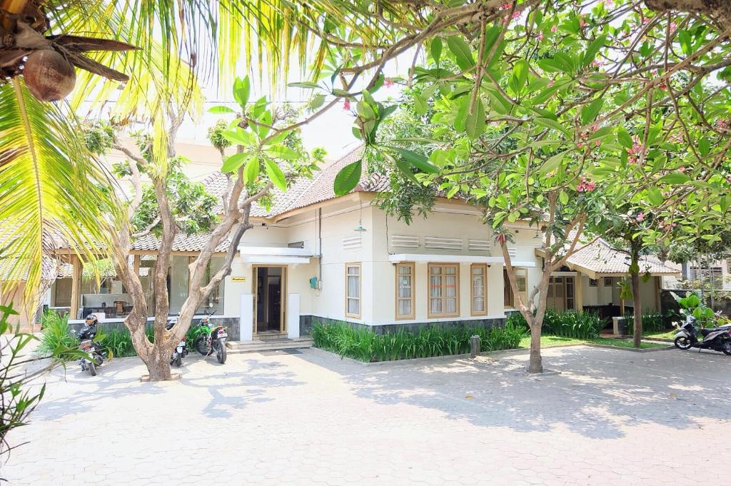 Ndalem Suratin Guesthouse Yogyakarta Indonesia Booking Com