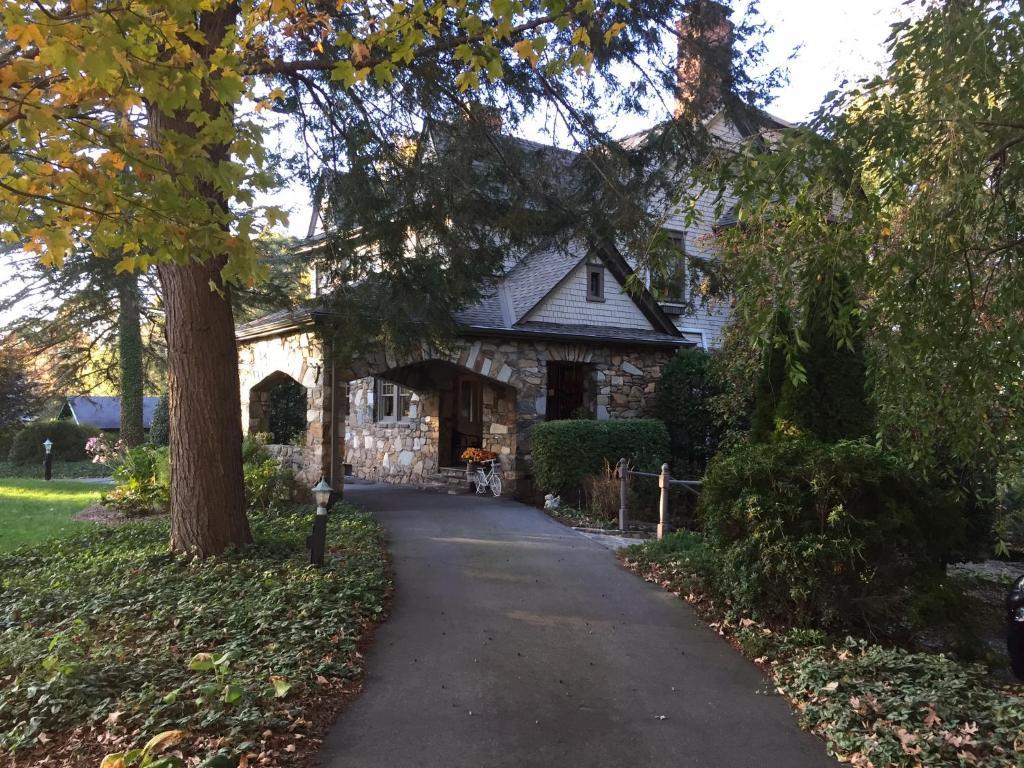 n lodge on oakland b u0026b asheville nc booking com