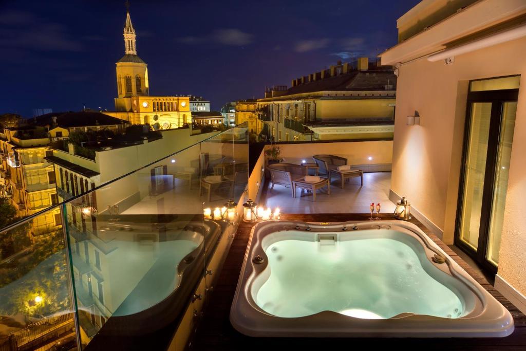 Hotel Meliá Genova, Genoa, Italy - Booking.com