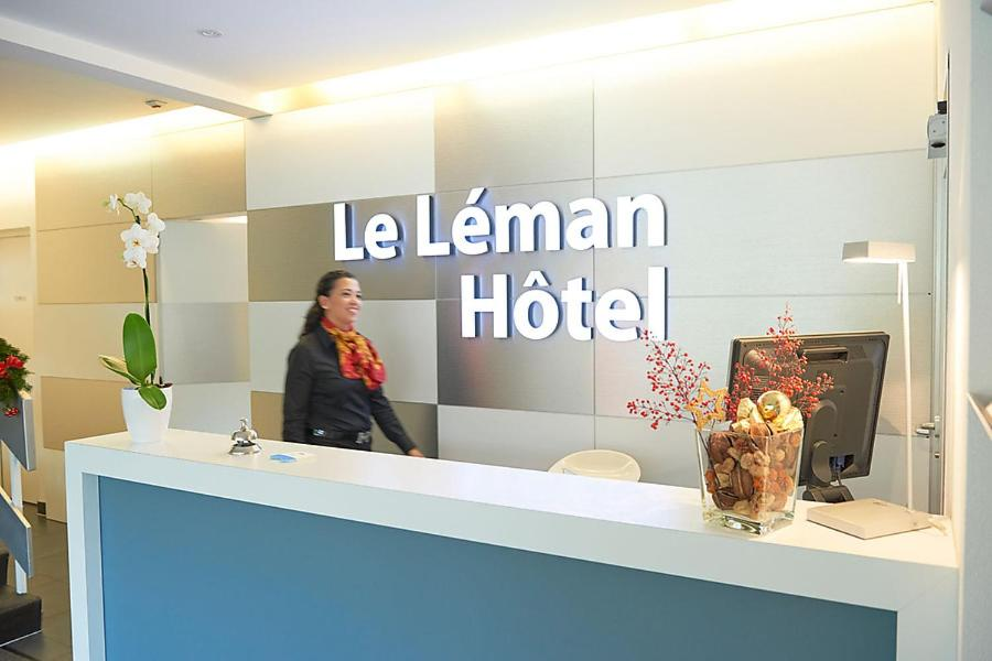 The lobby or reception area at Le Leman Hotel
