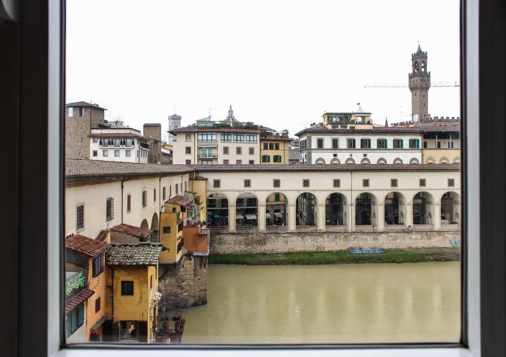 Ponte Vecchio Bedroom Apartment Florence Italy Booking Com