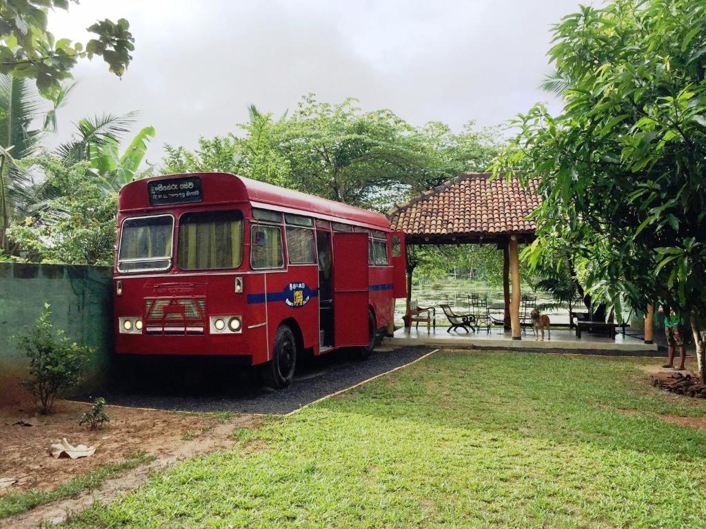 Vintage Bus Stay