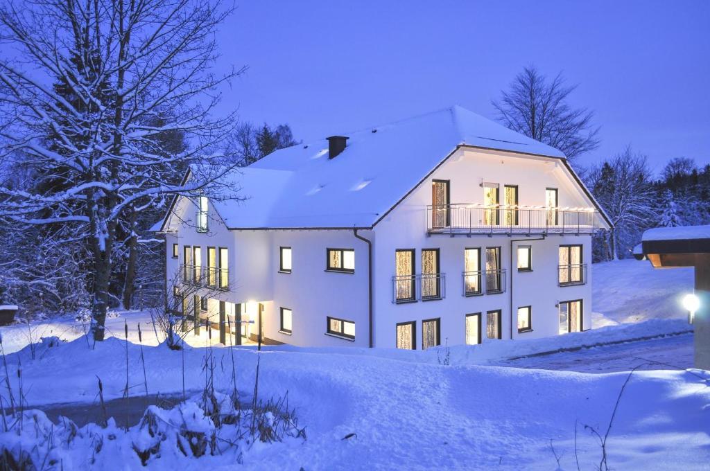 Etagenbett Nico : Jagdhaus resort deutschland schmallenberg booking.com