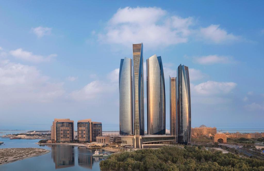 Hotel Review: Jumeirah at Etihad Towers, Abu Dhabi - Holy ...