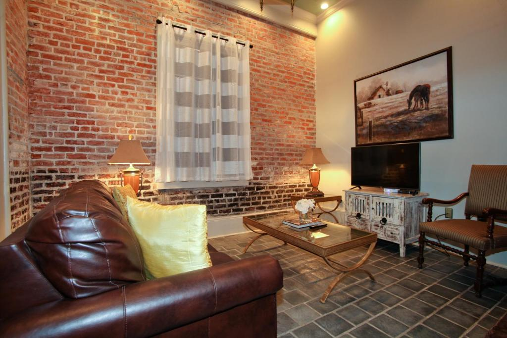 promo french quarter luxury two bedroom suite 1204 new orleans usa