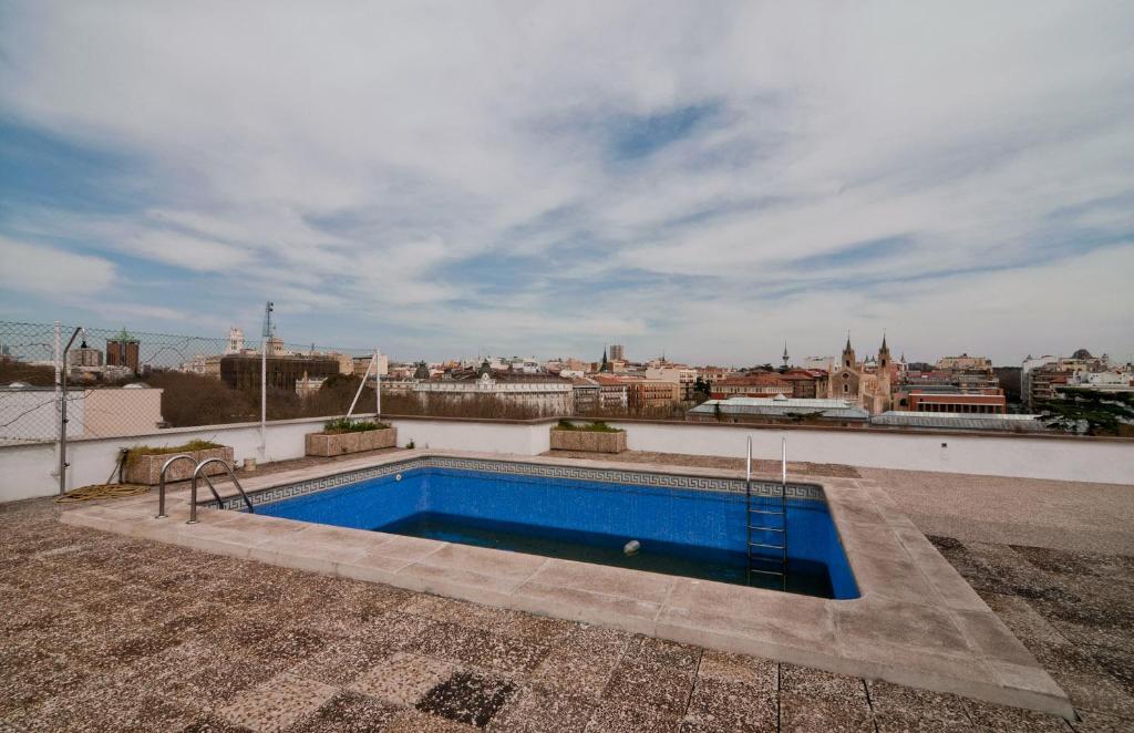 Apartment paseo del prado 16 madrid sepanyol for Lamucca calle del prado 16 madrid