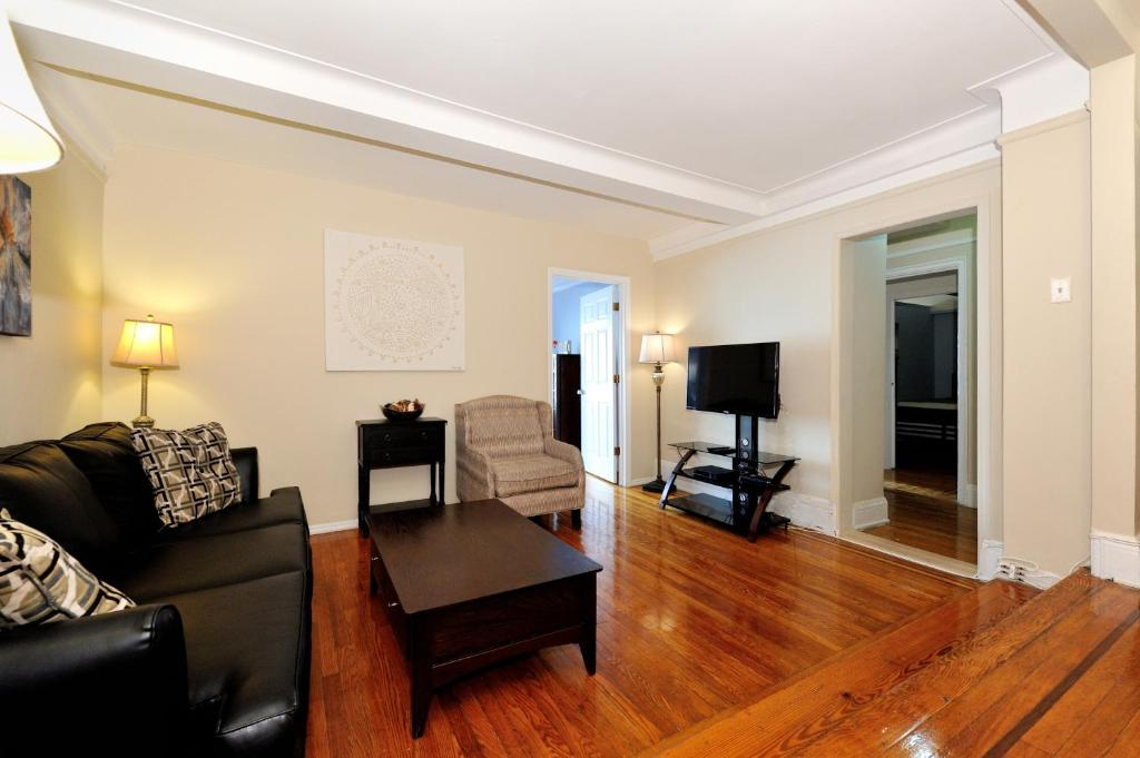 . Three Bedroom Apartment with Two Ba  New York City  NY   Booking com