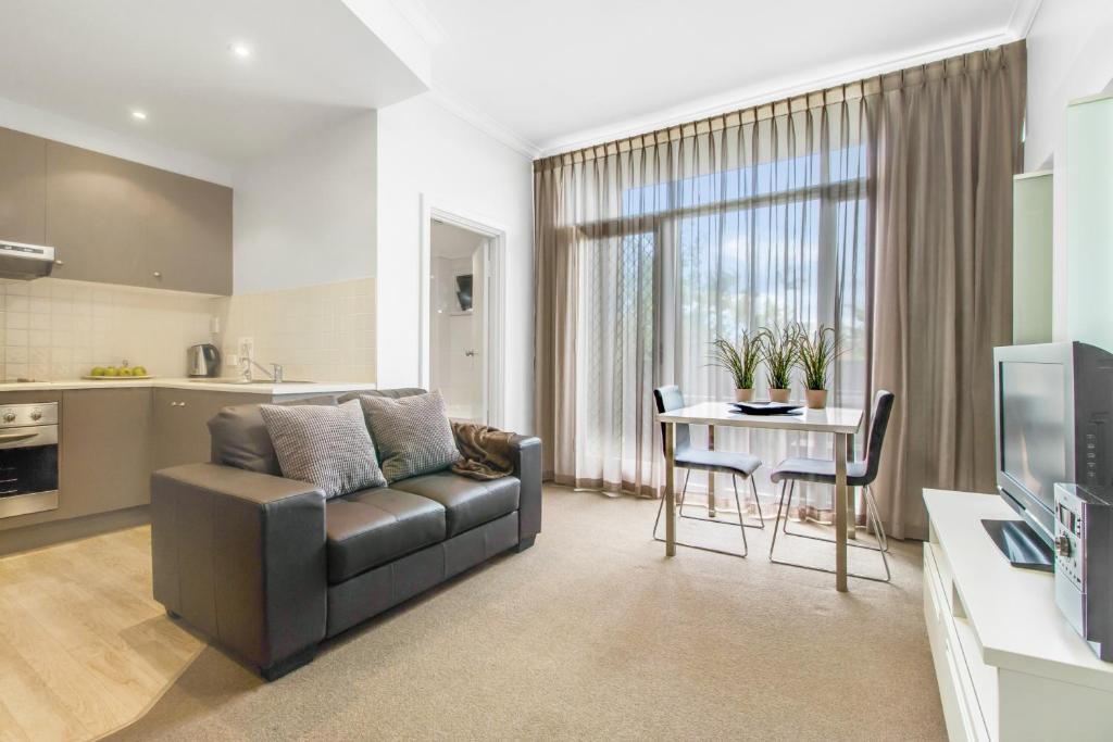 Adelaide DressCircle Apartments - Ward Street, Adelaide ...