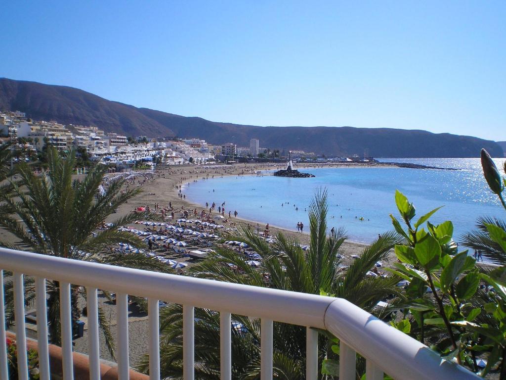 Apartamentos vista sur playa de las americas spain - Apartamentos baratos playa de las americas ...