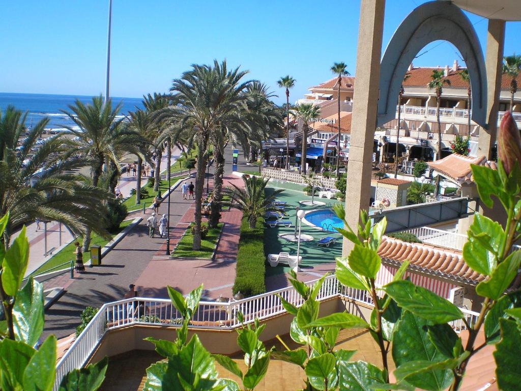 Apartamentos vista sur playa de las am ricas precios for Apartamentos en el sur de tenerife ofertas