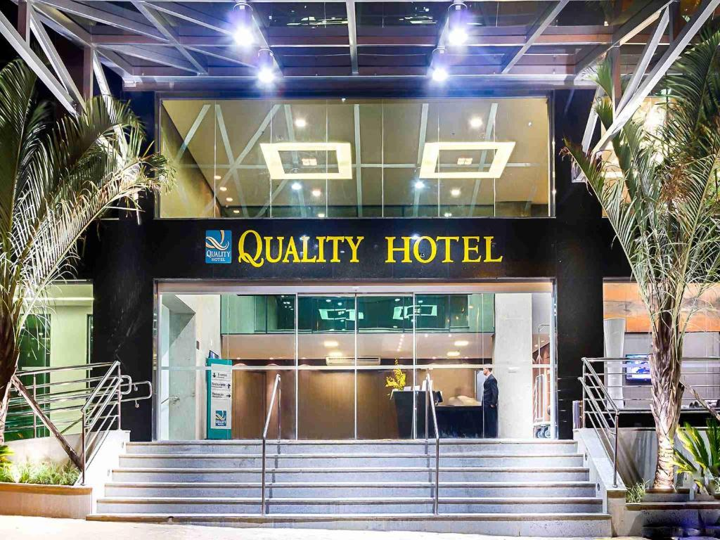 The facade or entrance of Quality Hotel Pampulha & Convention Center