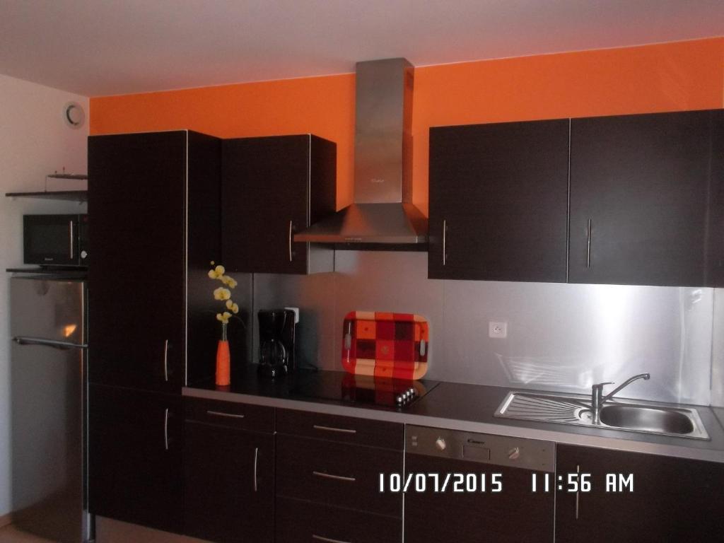 appartement le clos du champ de l 39 amour france saint. Black Bedroom Furniture Sets. Home Design Ideas