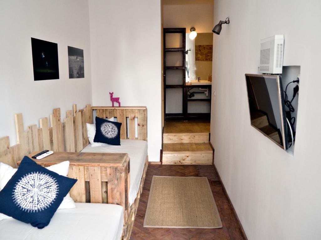 House of art outlet bucuresti