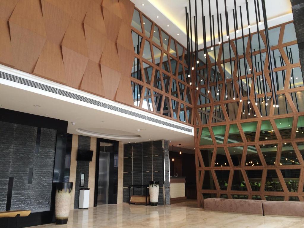 [Batam] ESKA Hotel (incl  of 2-Way Ferry + Breakfast)