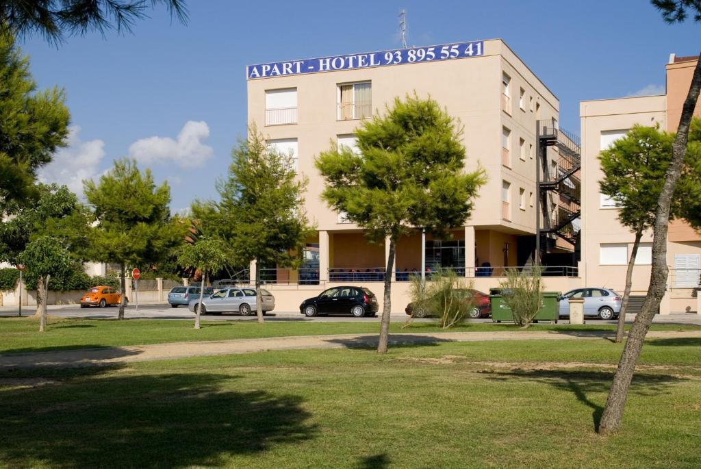 Apart hotels mar blava espagne cubelles for Apart hotel espagne