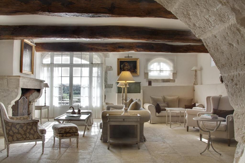 Hotel Le Mas De La Rose Orgon France Bookingcom