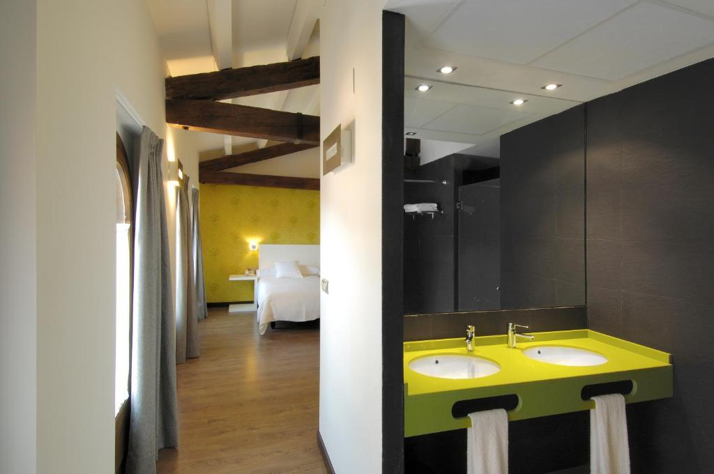 boutique hotels in zaragoza  12